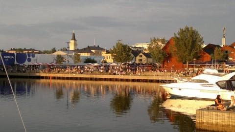 Abends im alten Hafen von Oulu