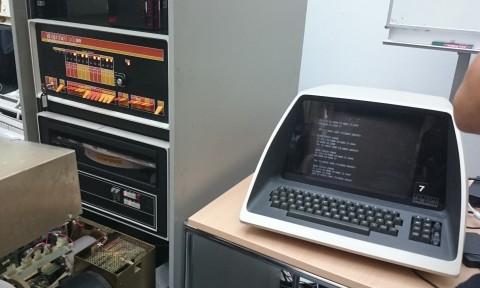 Original PDP-8 zum Vergleich