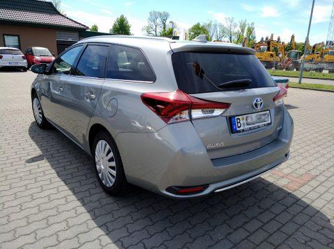 Toyota Auris - Raumgleiter von hinten