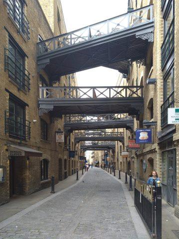 Shed Thames - Altes Lageshausviertel