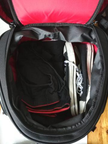 Schuhe und Unterwäsche zuerst...